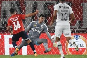 Santos empata com Independiente e garante vaga nas quartas da Sul-Americana
