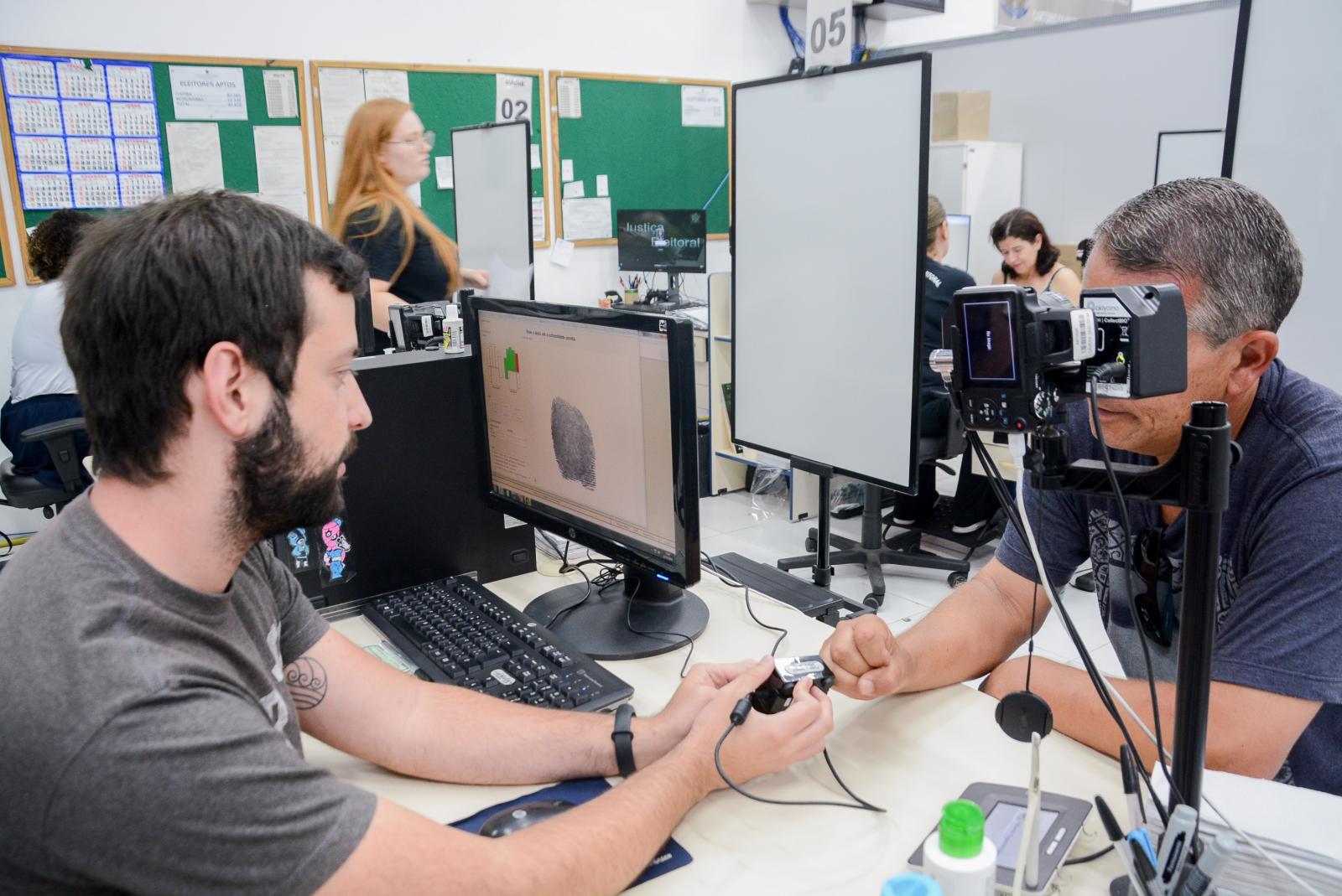 Eleitores deixam cadastramento da biometria para última hora