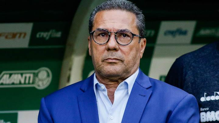 Palmeiras vai reduzir em 25% os salários dos jogadores e do técnico Luxemburgo