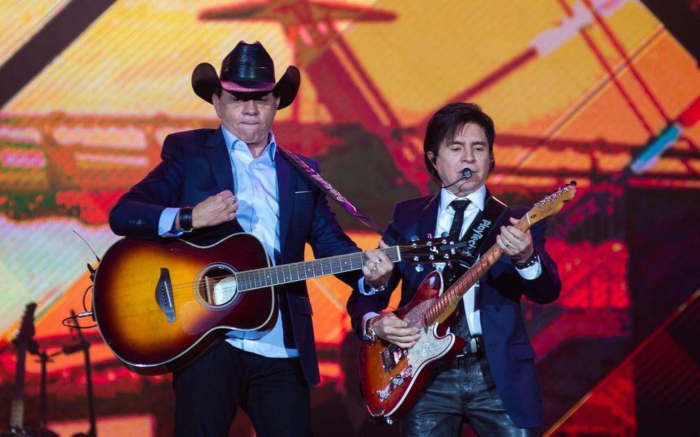 Xororó conta que live da dupla terá banda virtual e música inédita