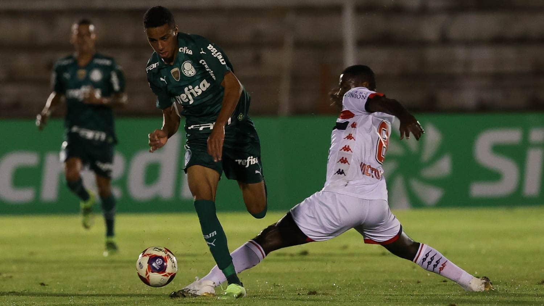 Palmeiras usa meninos, empata com Botafogo e segue fora das quartas do Paulistão