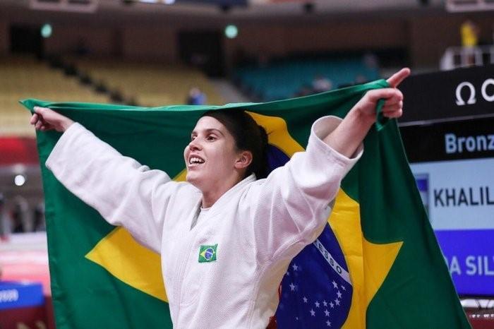 Alana Maldonado derrota georgiana e conquista ouro no judô na Paralimpíada