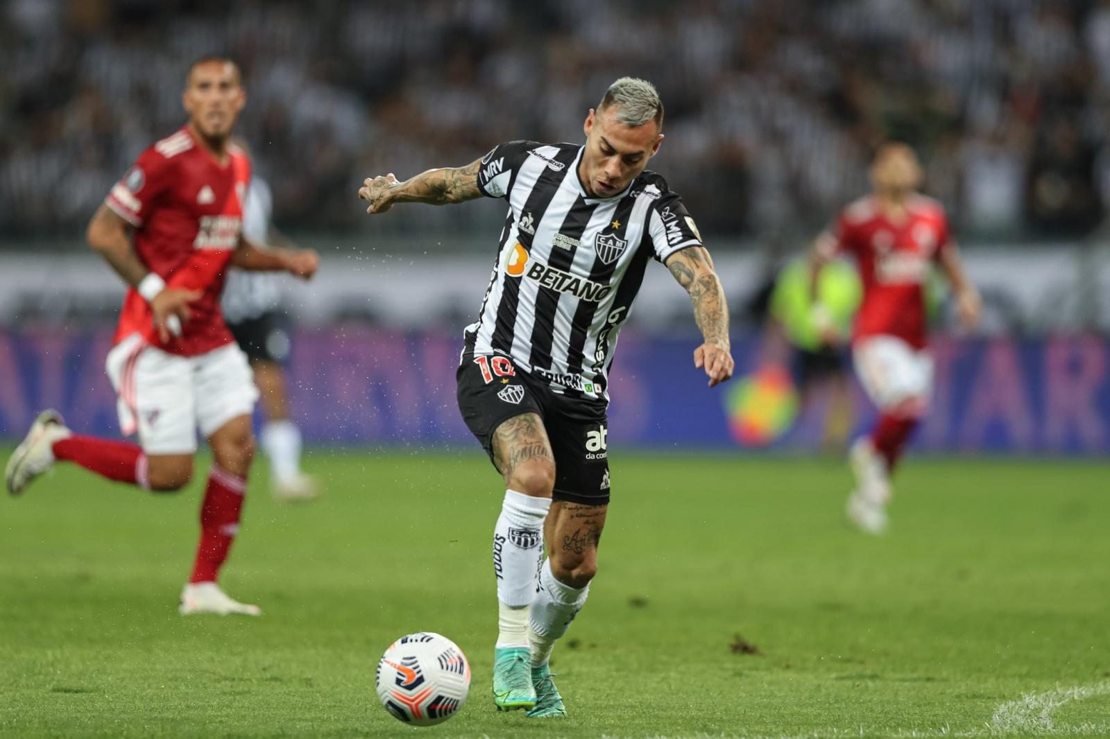Atlético-MG atropela o River Plate e enfrenta o Palmeiras na semi da Libertadores