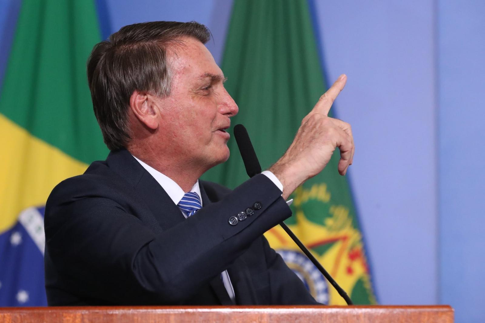 Bolsonaro diz que não toma vacina 'lá de São Paulo' e será último a se imunizar