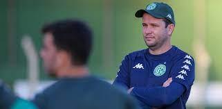 Guarani oficializa Júnior Todinho e dirigente revela acerto com Maxwell