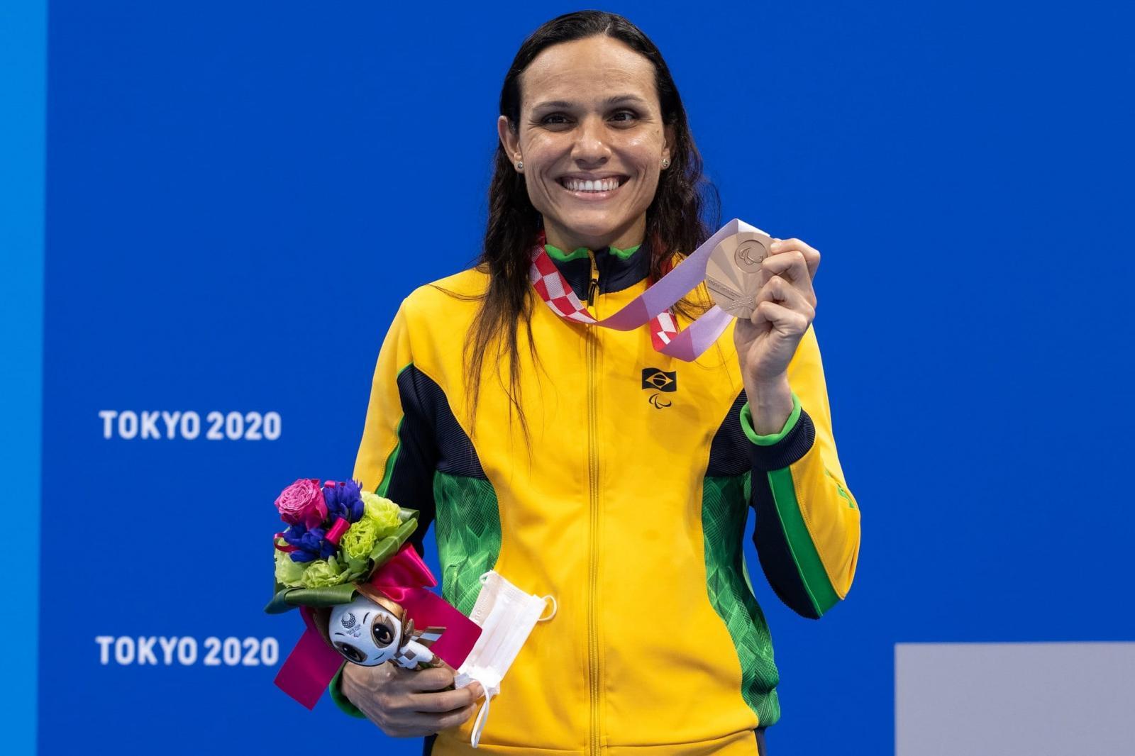 Mulheres mostram domínio na Paralímpiada e Brasil sobe no quadro de medalhas
