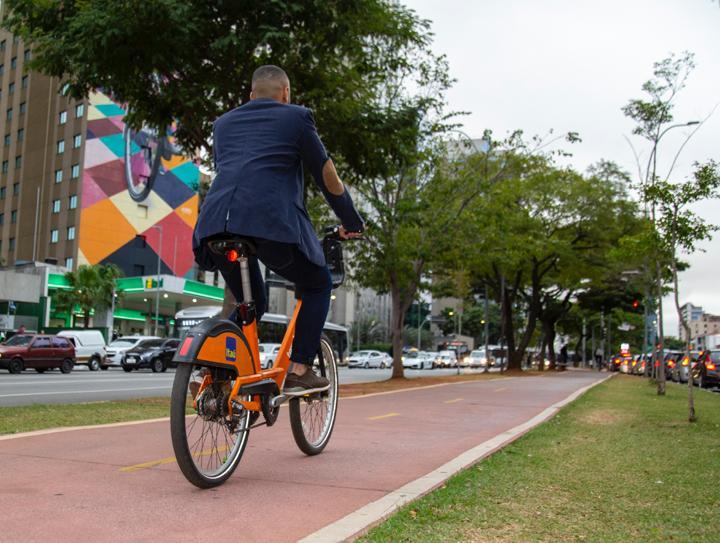 Vamos pedalar? Confira dicas para andar de bike em São Paulo