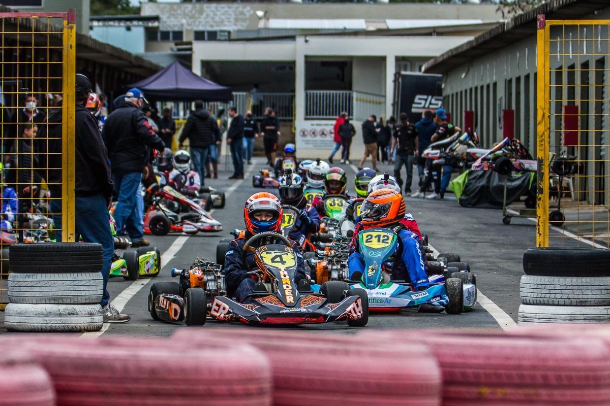 Copa F-Racers realiza 7ª etapa com segunda disputa noturna da temporada em Paulínia