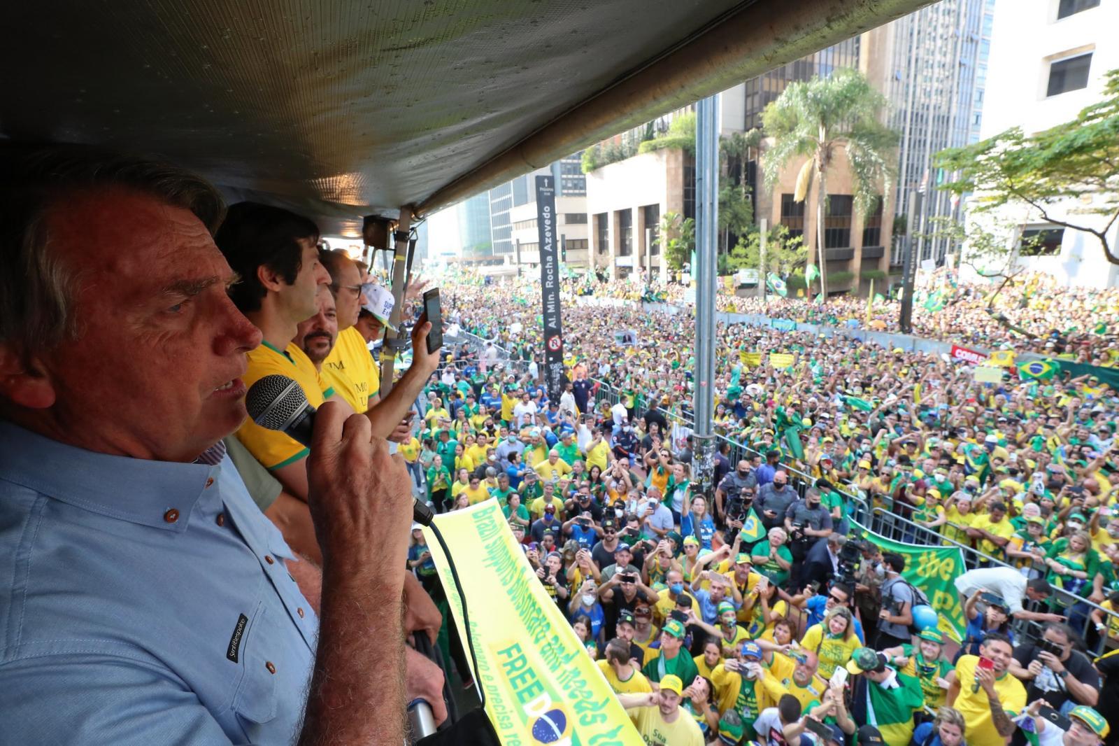 Governo de SP multa Bolsonaro pela 7ª vez em que descumpre protocolo sanitário