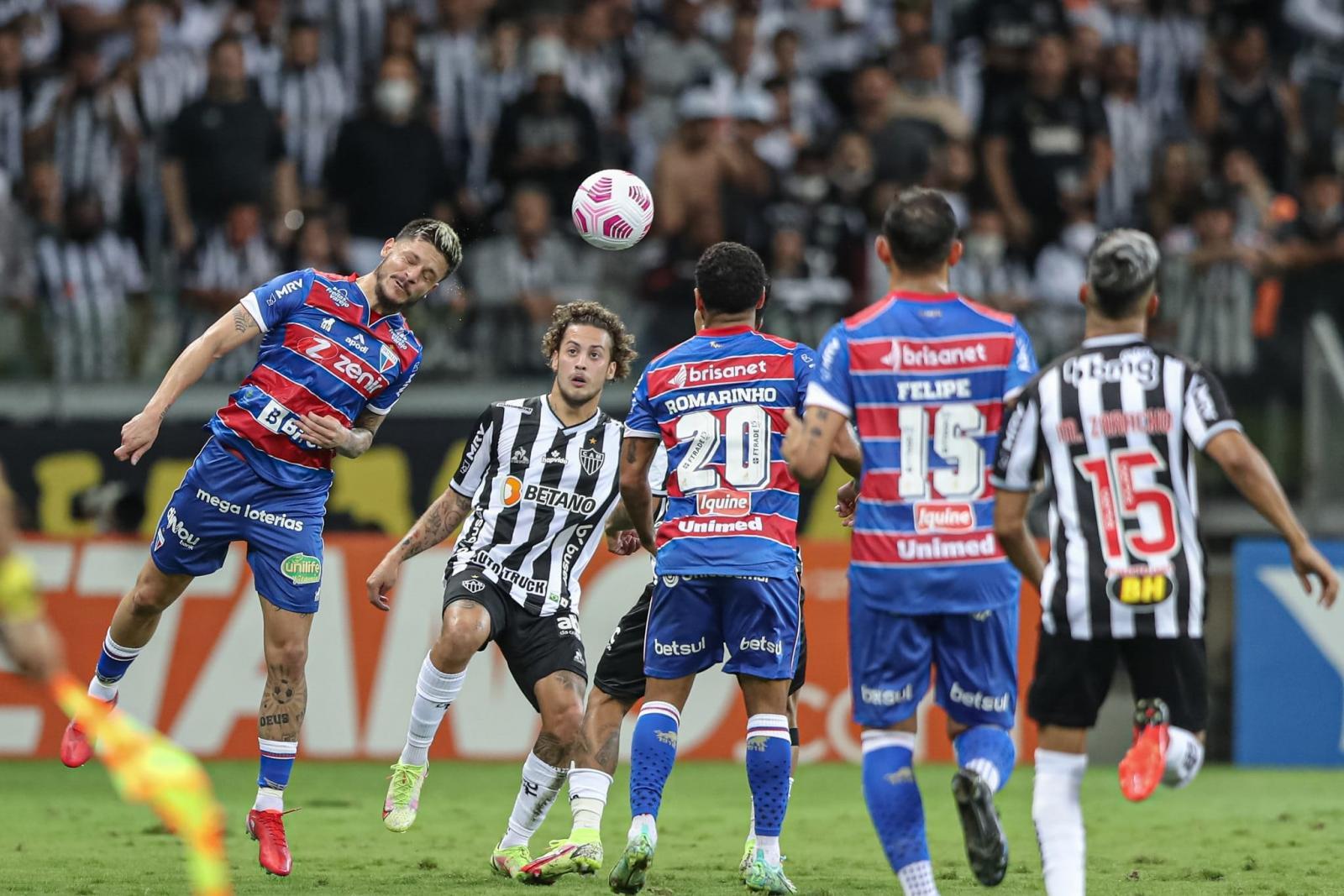 Atlético-MG supera 100 gols na temporada, goleia Fortaleza e fica perto da final