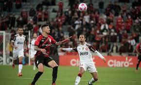 Com gol aos 54 minutos, Flamengo busca empate com Athletico-PR na Copa do Brasil