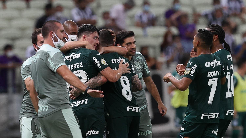 Com gols de jogadores questionados, Palmeiras bate Ceará e é 3º no Brasileirão