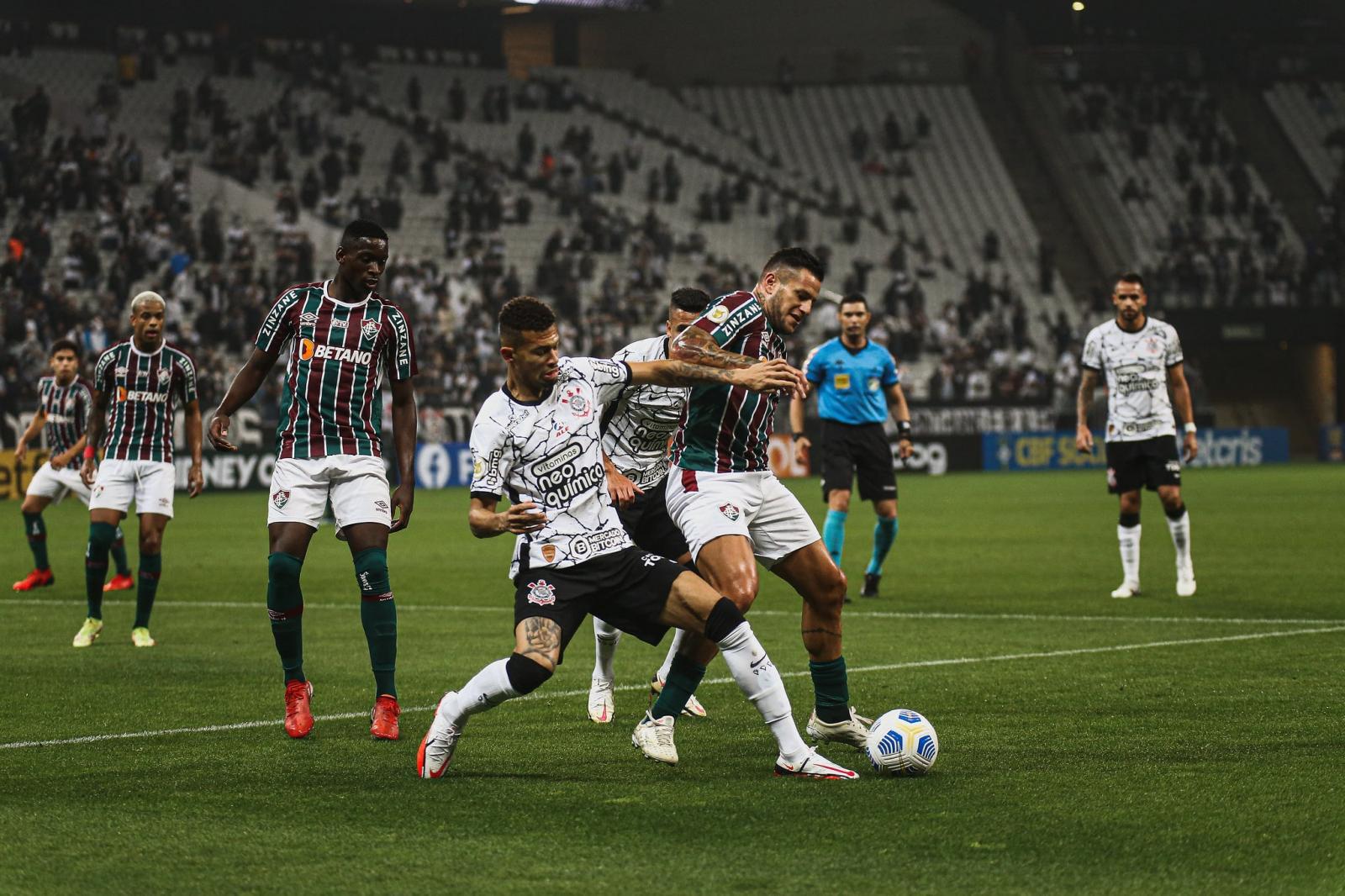 Corinthians não joga bem, mas Gabriel Pereira garante vitória sobre o Fluminense