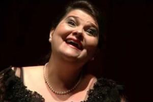 Em novo disco, soprano Marília Vargas interpreta árias da corte de Luís XIII