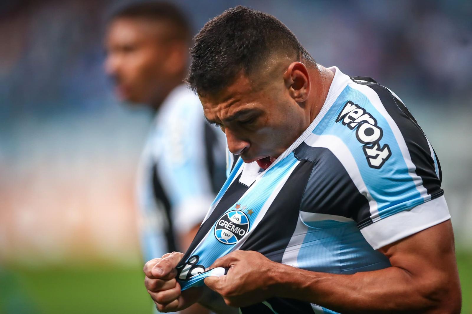 Grêmio joga bem, leva susto no final, mas supera Juventude na estreia de Mancini