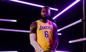 Pesquisa da revista Forbes indica LeBron James como jogador mais bem pago da NBA