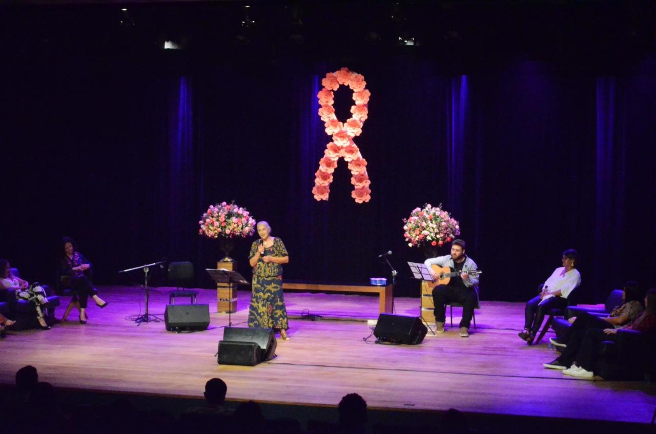 Ralino Zambotto recebe musical 'Mulheres Cantam: Um Toque de Esperança'