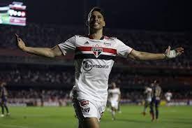 São Paulo vence Corinthians, encerra a série de empates e reage no Brasileirão