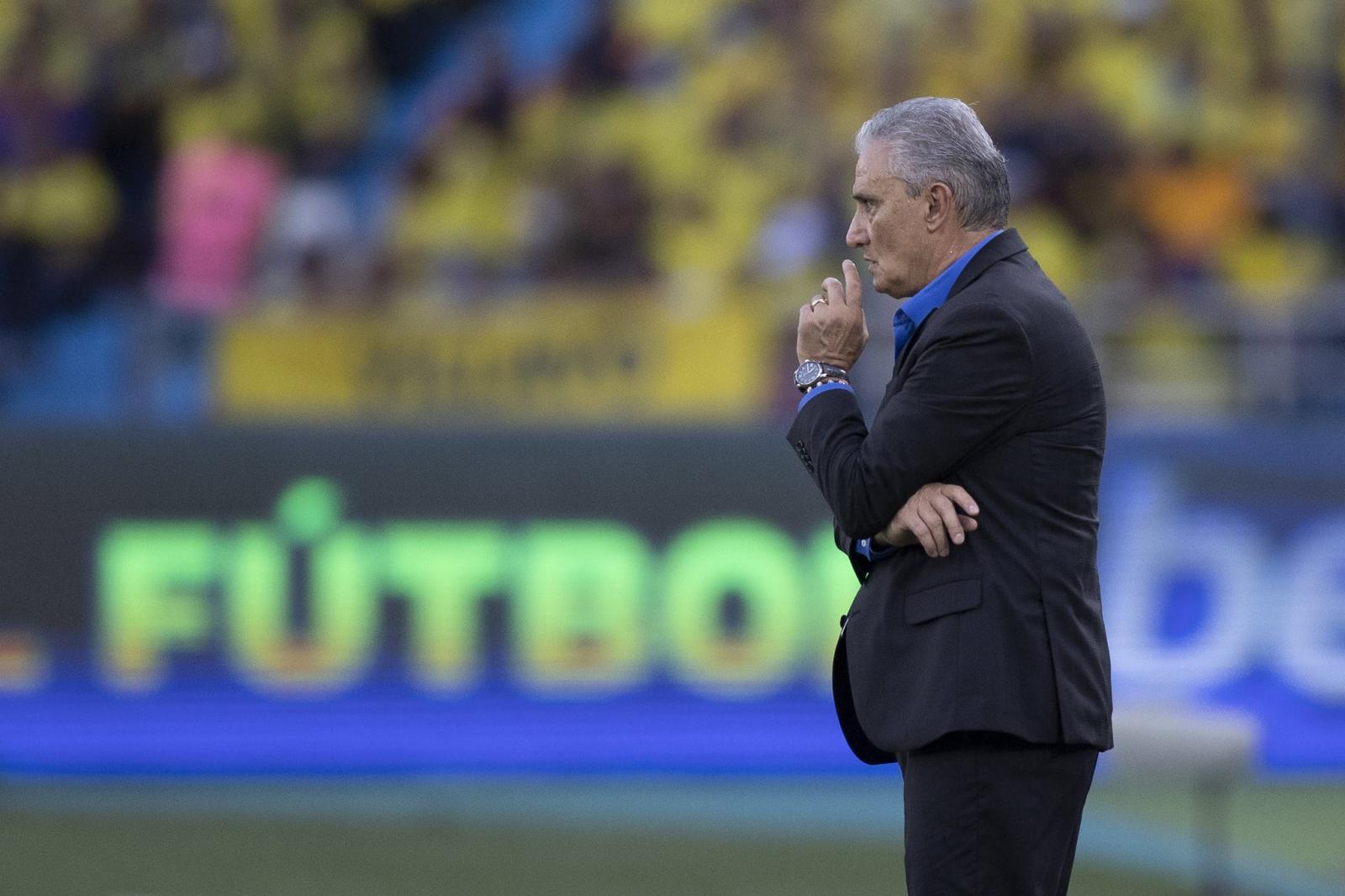 Tite celebra entrada de jovens na seleção e elogia partida contra a Colômbia
